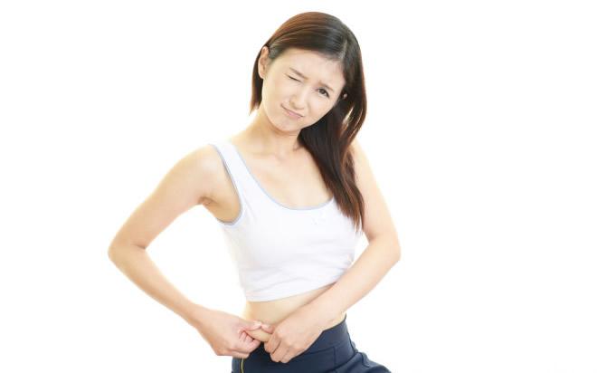 お腹のセルライトを除去する方法!マッサージや運動・筋トレが大事!
