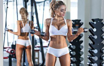 二の腕痩せを目指すならダンベルが効果的!簡単トレーニング方法とは