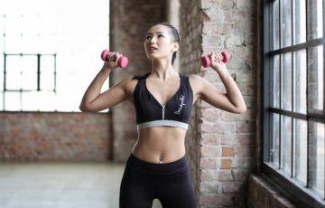 コロナ自粛で運動不足!?自宅でできるダイエット法を紹介!コロナ太りを解消しよう